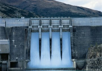 Arrangement of hydropower plants